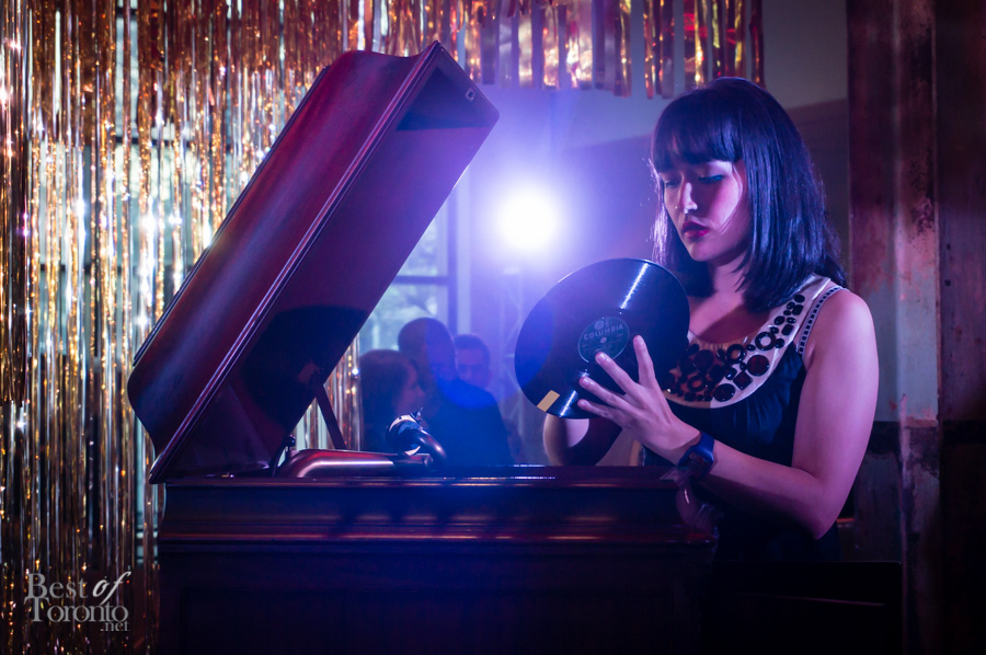 Artist Naomi Kashiwagi performing Gramophonica | Photo: John Tan