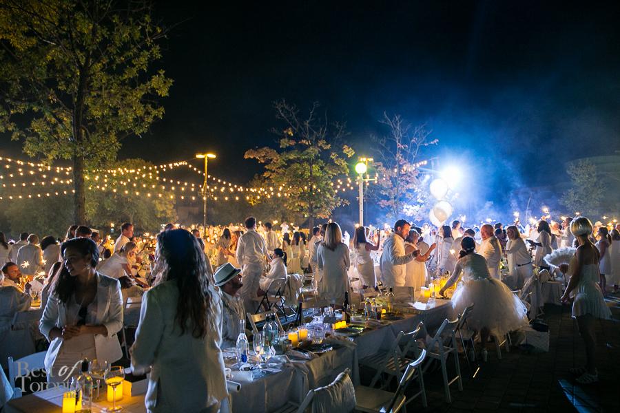 Diner-en-Blanc-BestofToronto-2014-019
