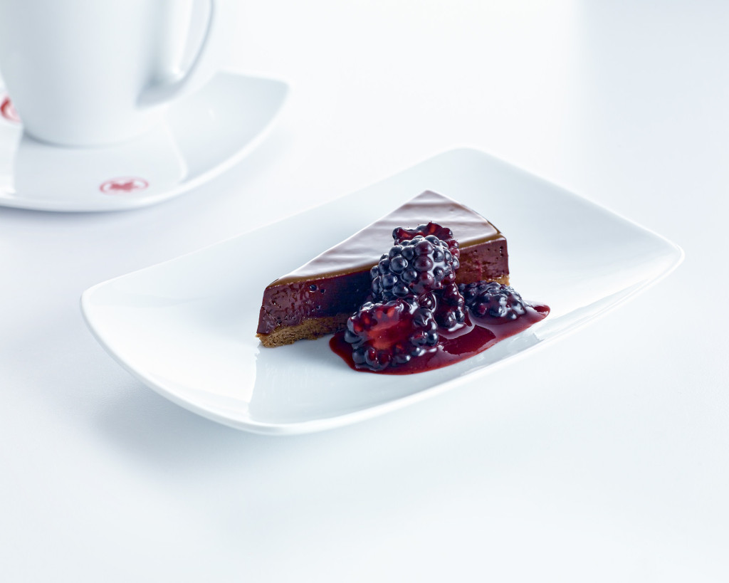 Dark chocolate fondant with blackberry compote for dessert | Photo: Air Canada