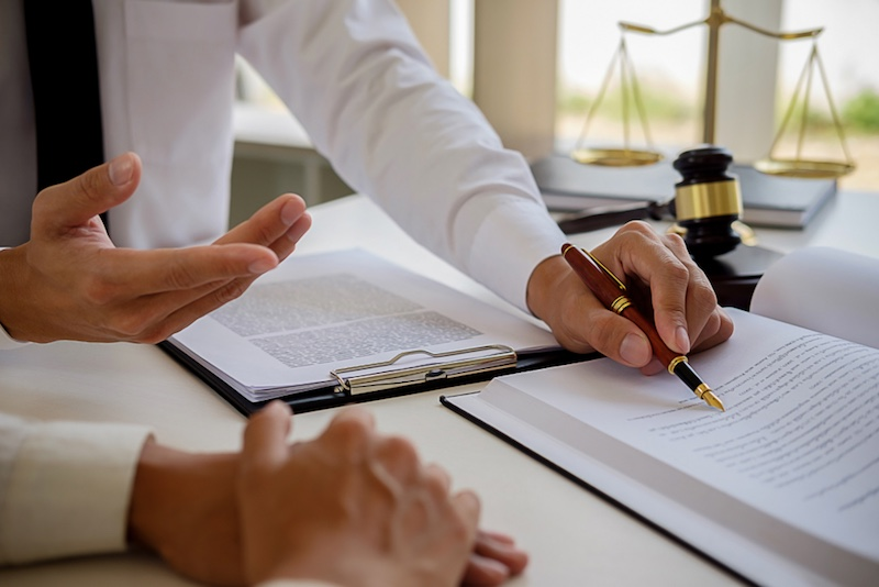 Choosing the Best Business Lawyer