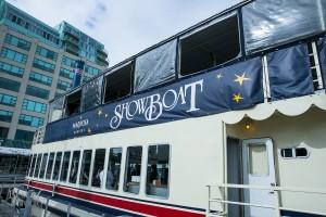 Boarding Mariposa's Showboat