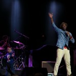 Kardinal Offishall and a kid from the audience