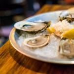 Fresh oysters | Photo: John Tan